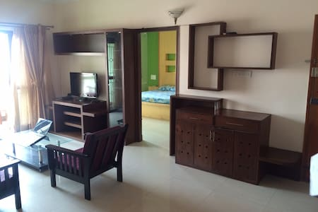 Indiranagar 100 ft - opp Starbucks - Bangalore