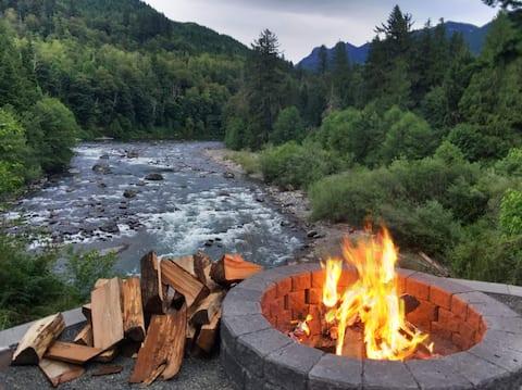 Basecamp Guesthouse - Роскошь на реке