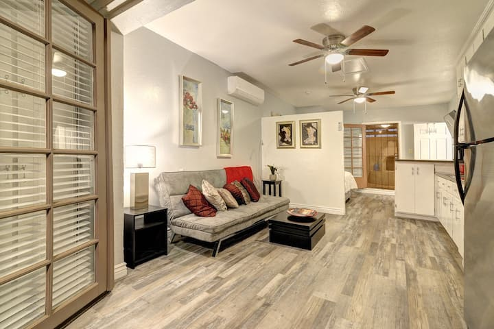 Cozy Central Phx Guesthouse  w/ kitchen sleeps 4