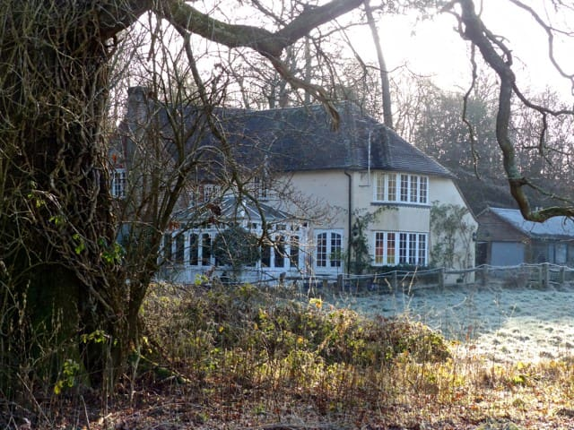 Peaceful Midhurst house.  Large room w bathroom - Midhurst - Hus
