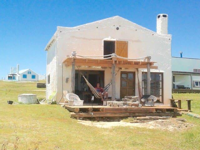 Casa amplia a 25 metros de la arena de Playa Sur
