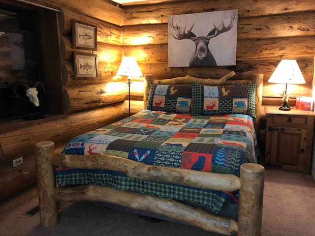 BIG LOGS COZY CABIN Extreme Sports, relax or both!