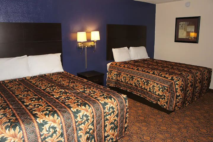 Sky-Palace Inn & Suites Waite Park - Standard 2 Queen Bed Non-Smoking