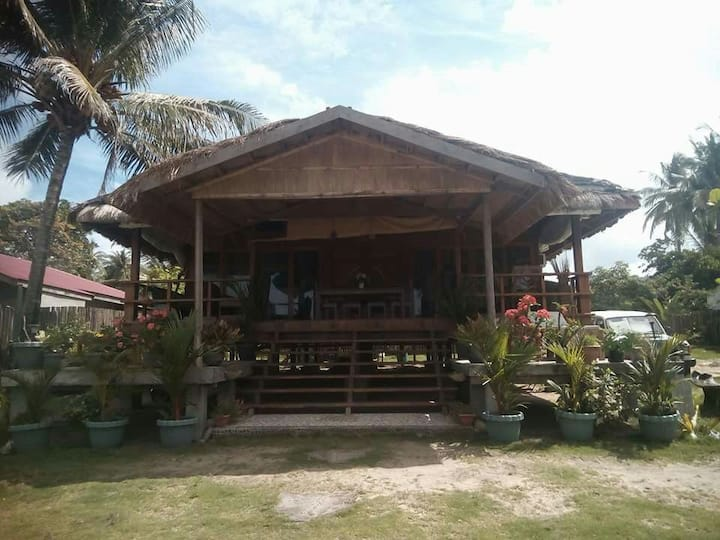 2 Bedrooms Beach House for rent