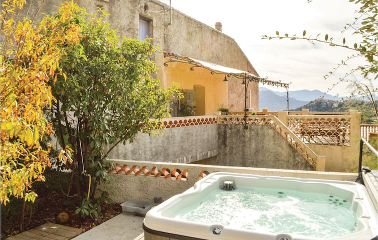 Holiday cottage with 2 bedrooms on 65 m² in Montegrossu