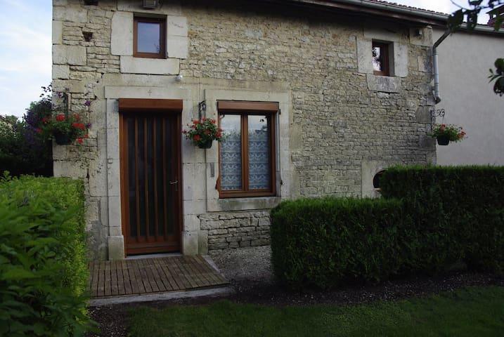 La Flûte ô marnaise - maison d'hôte - Rizaucourt-Buchey - Hus
