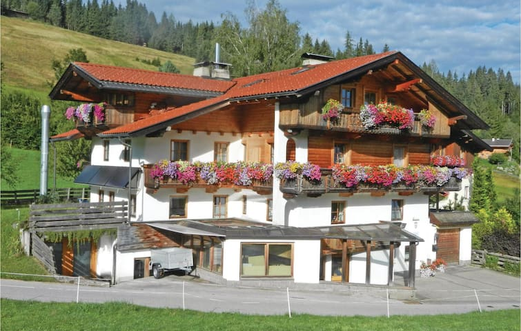 Holiday apartment with 3 bedrooms on 66m² in Wildschönau