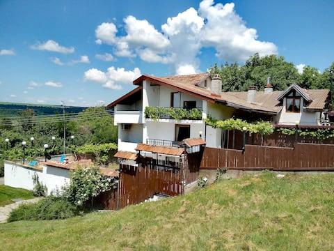 Hillside Guesthouse Pushevo