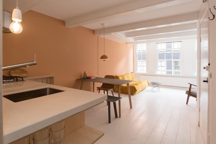 Brand new modern apartment in Jordaan