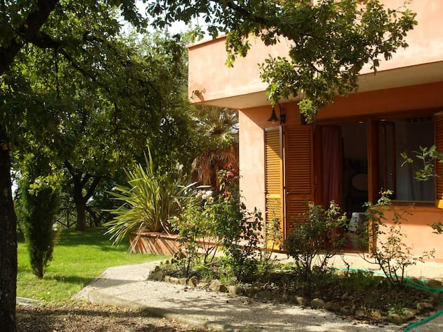 leiland - Magione - Bed & Breakfast