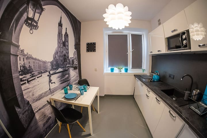 Turquoise Apt in the Heart of Magical Krakow