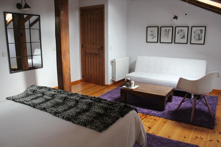 Hotel Rural Gay en Valdesaz (Hab.5)