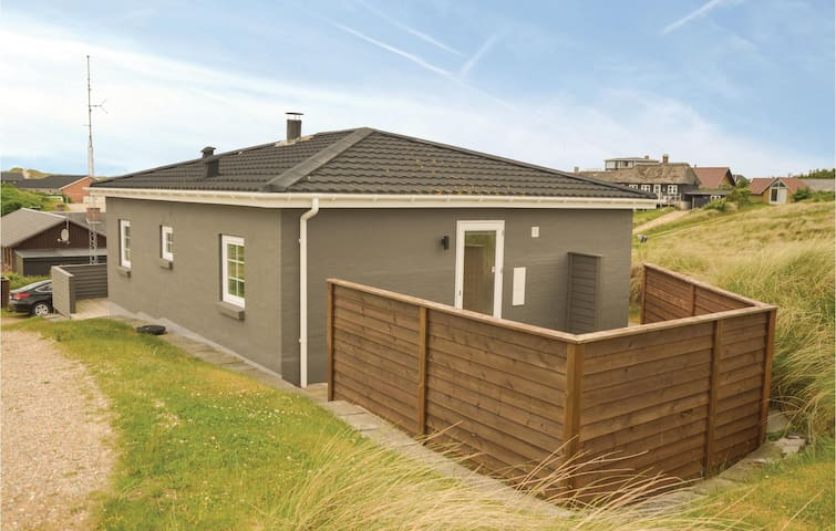 Holiday cottage with 2 bedrooms on 74 m² in Vejers Strand