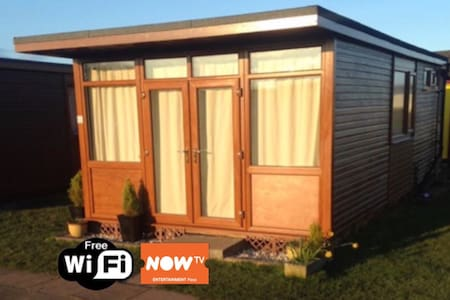 Bermuda Chalet With Free WiFi & NowTv Mablethorpe