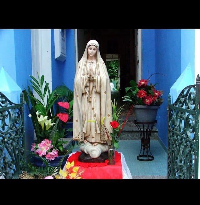 Uma das mais belas imagens , vinda de portugal e esta na pousada, a imagem de nossa senhora de Fátima