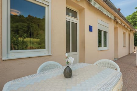 Holiday apartment with 1 bedroom on 45m² in Jablanac
