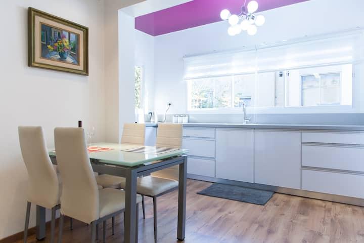 Carmel Boutique Apartments - Superior Apartment
