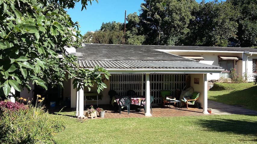 Wylie-at-the-Park (Double bed room) - Pietermaritzburg - Casa