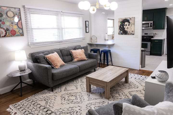 Cozy Boho Apartment in Charming Historic District