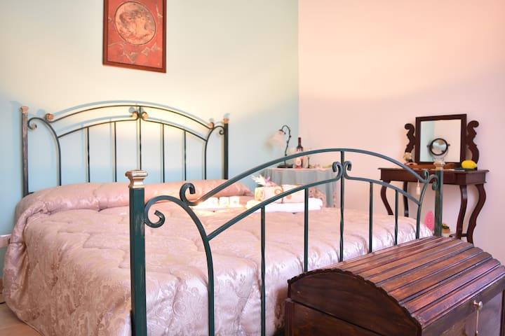 Lemon double room in VILLA +private bathroom - Portici - Bed & Breakfast