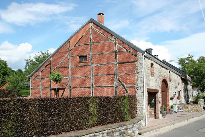 Beautifully renovated, old, 1841 barn, with garden and terrace, in Wéris