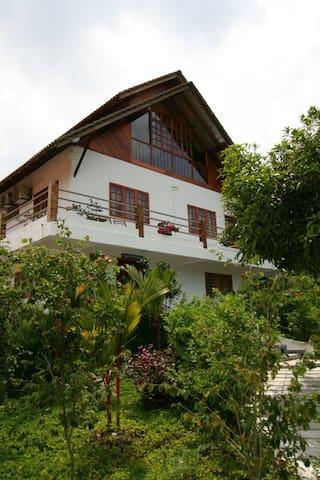 Hillside Pahang Getaway - Raub District - Bungalow