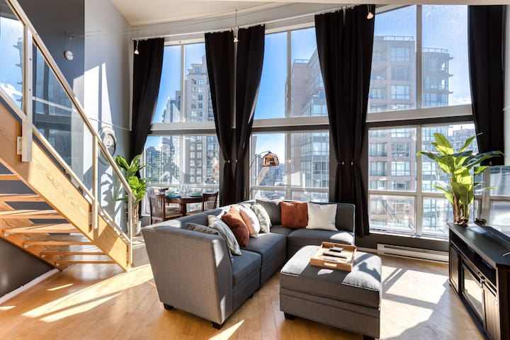 🖤STUNNING BRIGHT CENTRAL LOFT 1bed/1bath 🖤