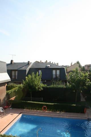 PRECIOSA CASA ALQUILER BOADILLA DEL MONTE - Boadilla del Monte - Apartment