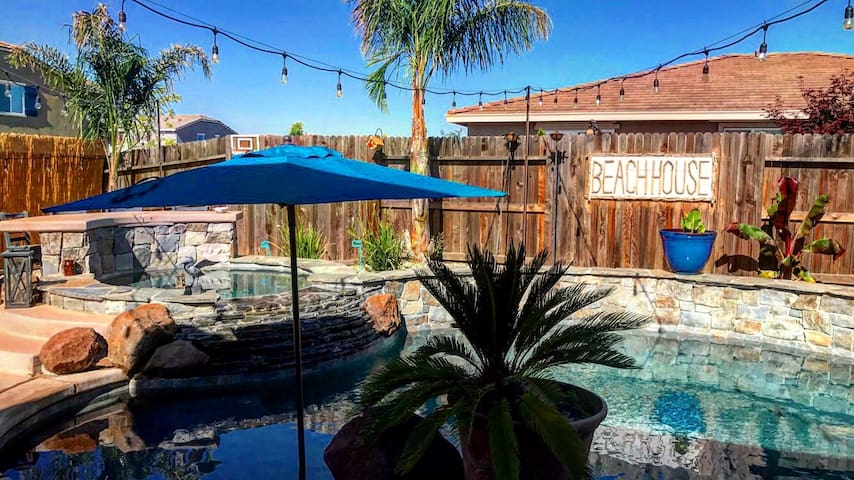 Convenient Locale, Modern Amenities w/ Pool & Spa