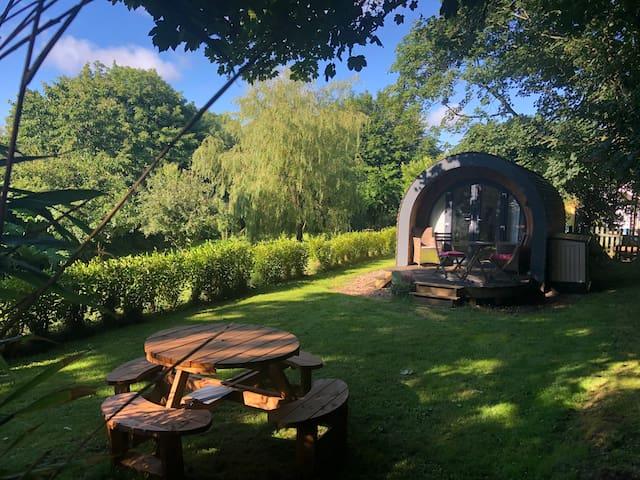 Luxury Cedar Pod In Beautiful Rural Setting