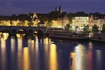 Maastricht.   30 km  25 autominuten
