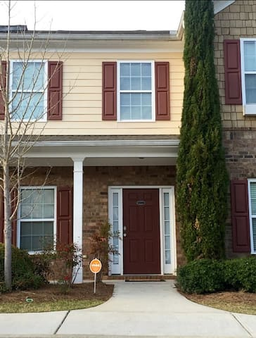 Cozy Townhouse, Close to downtown ATL - Atlanta - Stadswoning