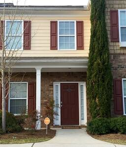 Cozy Townhouse, Close to downtown ATL - Atlanta - Rivitalo