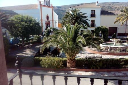 Casa en el centro de Andalucía - Almargen