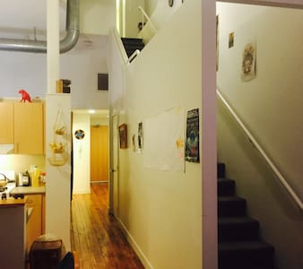 Beautiful 2 story Loft with Gym/Pool Table/WiFI - Providence