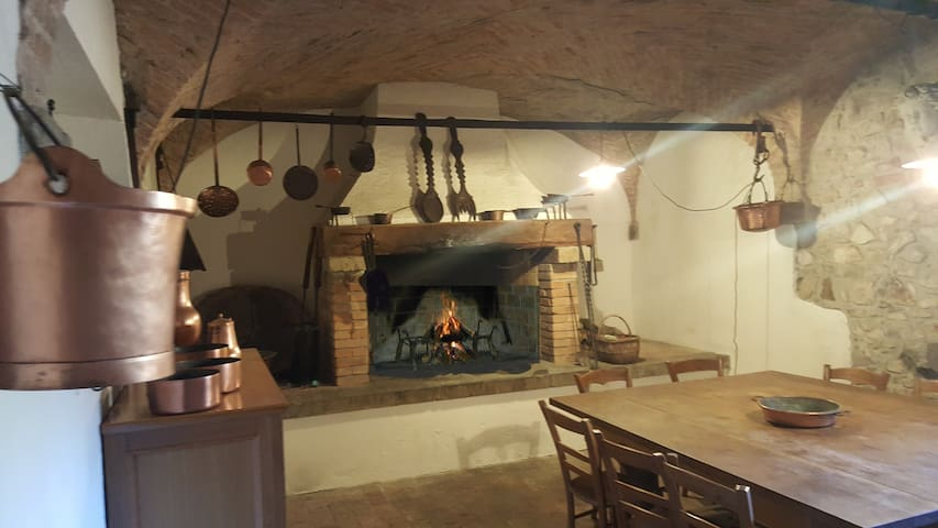 The 16th century barbecue room at your free disposal