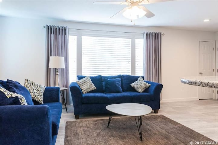 One bedroom in 4b/2b condo next to UF-FA