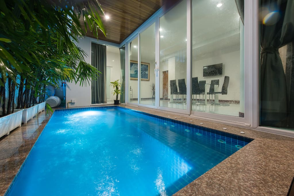 Jacuzzi pool size is 4 x 2 meters, and depth  is 1.4 meters