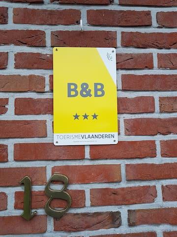 Wij zijn een bij Vlaanderen Toerisme, erkende B&B.