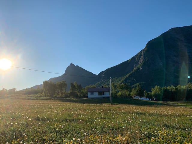 Koselig retro hus på Nygård, Engeløya