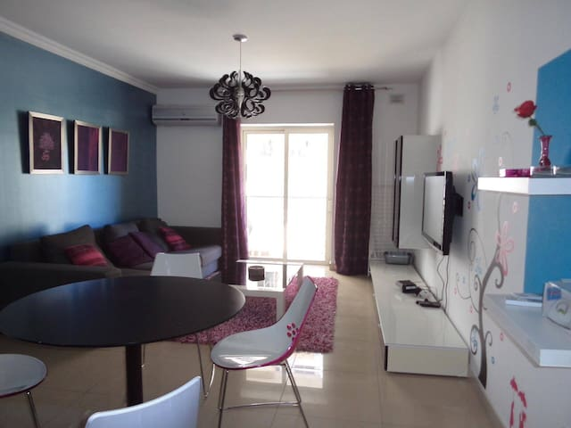 Lovely Modern Apartment - Il-Gżira