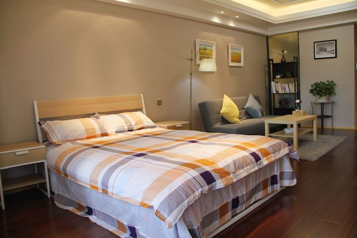 恋家—简洁宜家风 东港温馨大床房