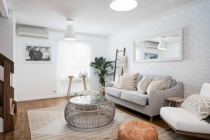 Luxury Townhouse by the Bay - Pets Welcome