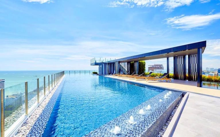 The Base-芭堤雅中央豪华公寓 - Central Pattaya