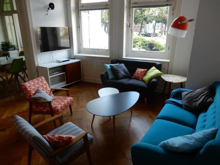 Ruhiges Zimmer in gemütlicher, zentraler Wohnung
