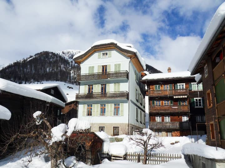 Duplex with a view in the heart of Goms-Valais
