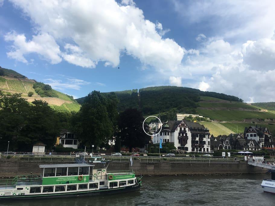 Haus am Weinberg        Ansicht vom Rhein