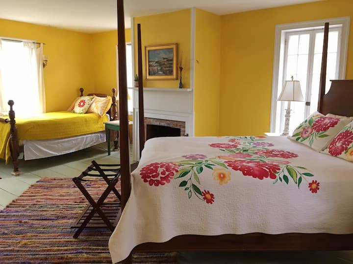 The Yellow Room at the Norton Hill BnB
