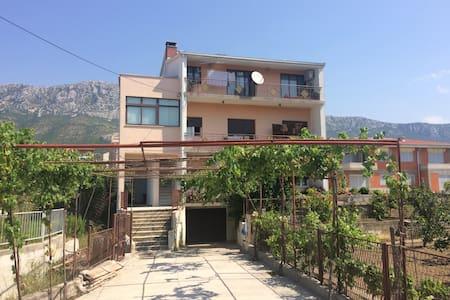 Apartment Cavka - Kaštel Gomilica