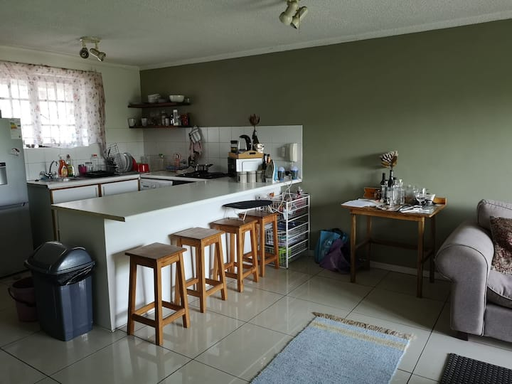 Room available in apartment in center Stellenbosch